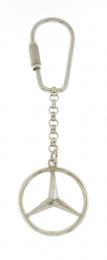 Zilveren sleutelhanger met het Mercedes embleem