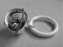Zilveren rammelaar, Bol met parelrand. Luxe