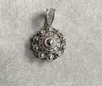 Zilveren Zeeuwse knop hanger van Dutch Button, 24 mm.