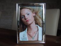 Zilveren fotolijst met parelrand 10 x 15 cm