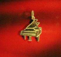 Piano vleugel gouden hanger