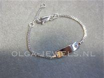 Plaat armbandje met klein zirkonia steentje roze 11 tot 13 cm