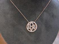 Verguld zilveren hanger aan kettinkje met tekst LOVE in zirkonia