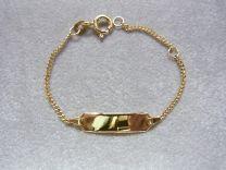 Gouden peuter/kinder naamplaat armbandje. Lengte 13 tot 15 cm.