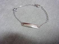 Plaat armbandje met ster en zirkonia. Zilver 11 tot 13 cm.