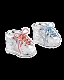 Verzilverde babyschoentjes als tand en haarlok doosje